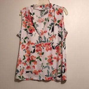 Calvin Klein sleeveless v -neck  blouse. Size L